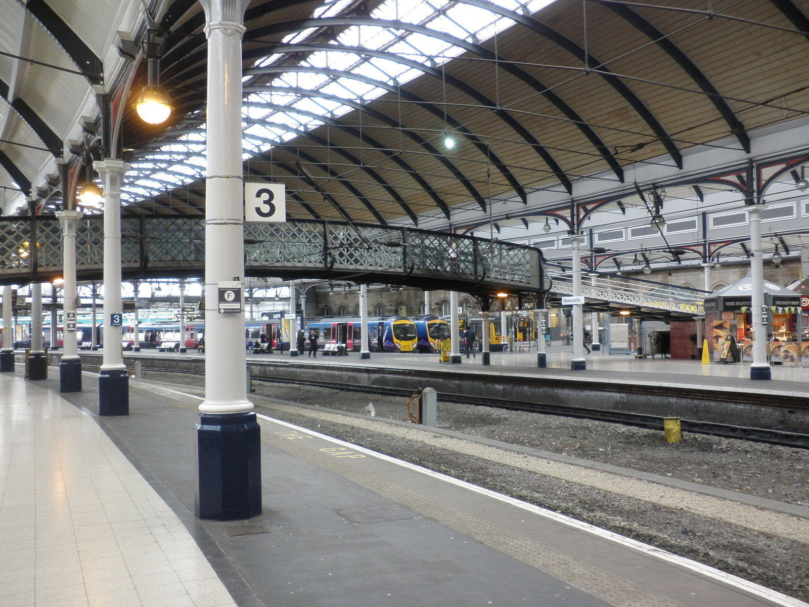 Photograph of Platforms 2 & 3 in Newcastle Central Station